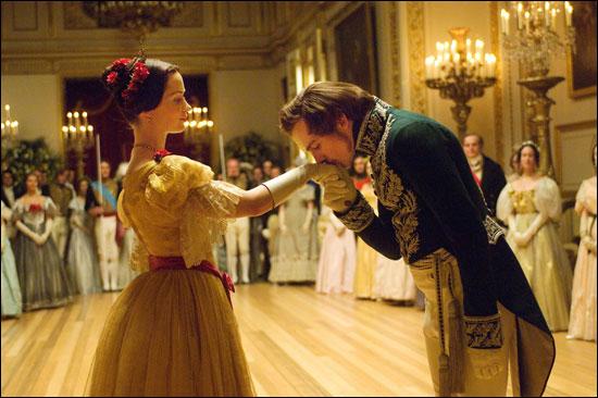 19世紀イギリス王室を舞台に、<若きヴィクトリア/原題:The Young  Victoria>の恋を豪華絢爛な映像美で100分という適度な長さにまとめあげたコスチューム・プレイの